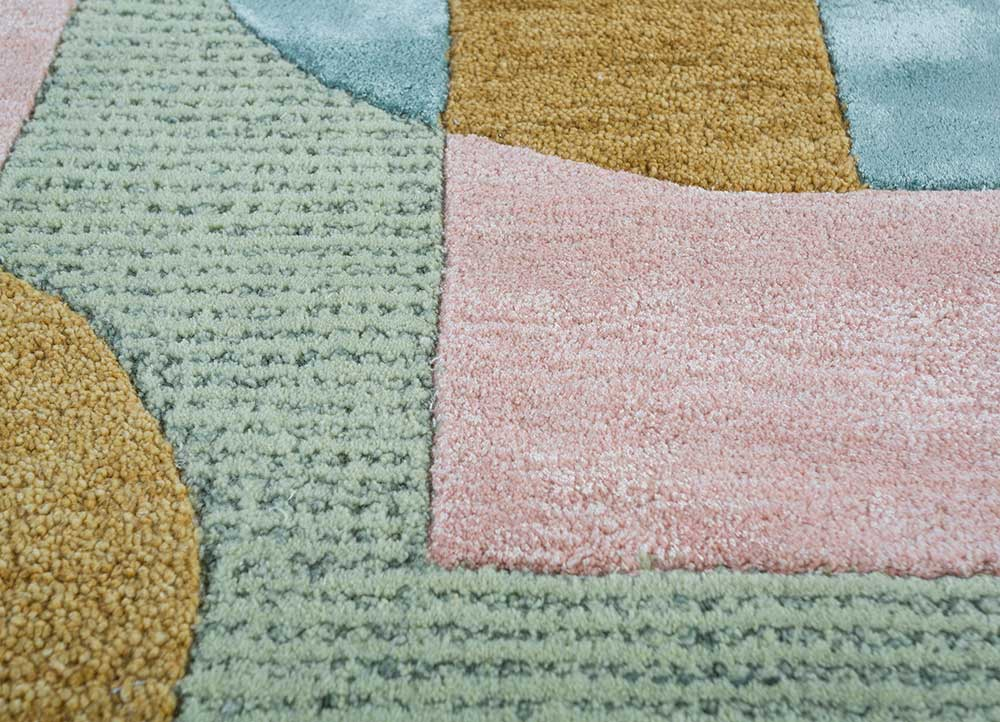 traverse pink and purple wool and viscose hand tufted Rug - CloseUp