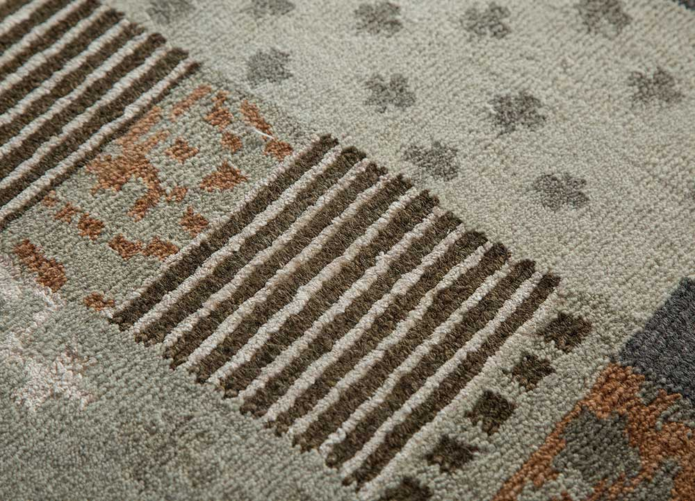 geode grey and black wool and bamboo silk hand knotted Rug - CloseUp