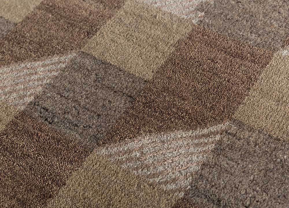 geode beige and brown wool and bamboo silk hand knotted Rug - CloseUp