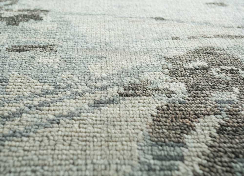 esme blue wool hand knotted Rug - CloseUp