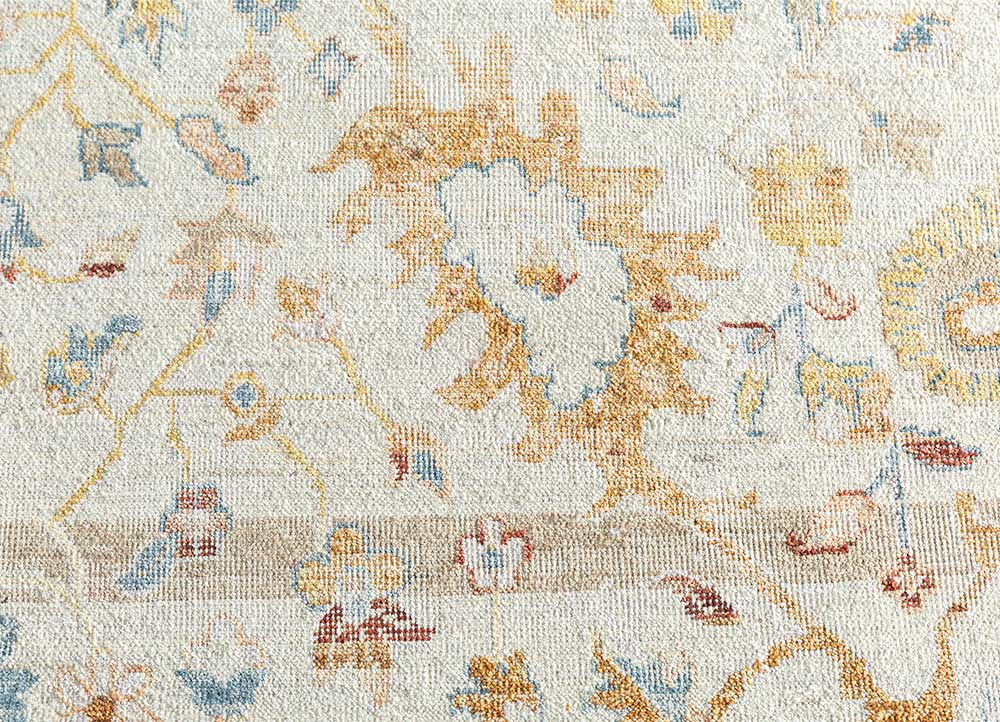 someplace in time ivory wool hand knotted Rug - CloseUp