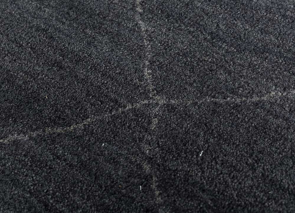 cleo grey and black wool hand knotted Rug - CloseUp