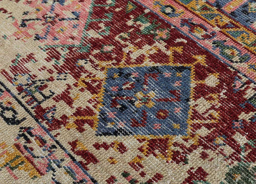 revolution gold wool hand knotted Rug - CloseUp