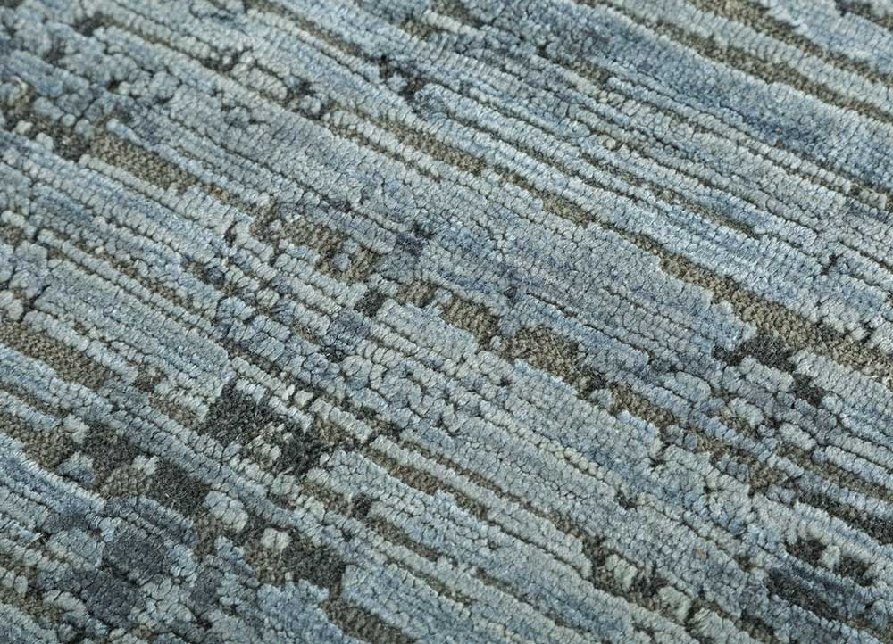 blithe blue wool and silk hand knotted Rug - CloseUp