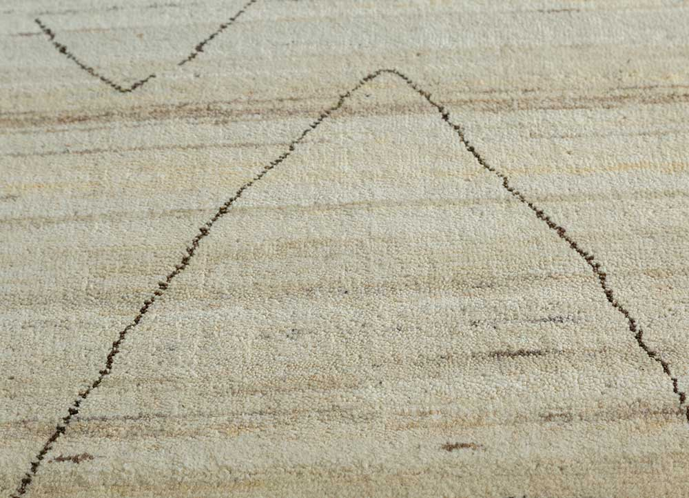 manifest ivory wool hand knotted Rug - CloseUp