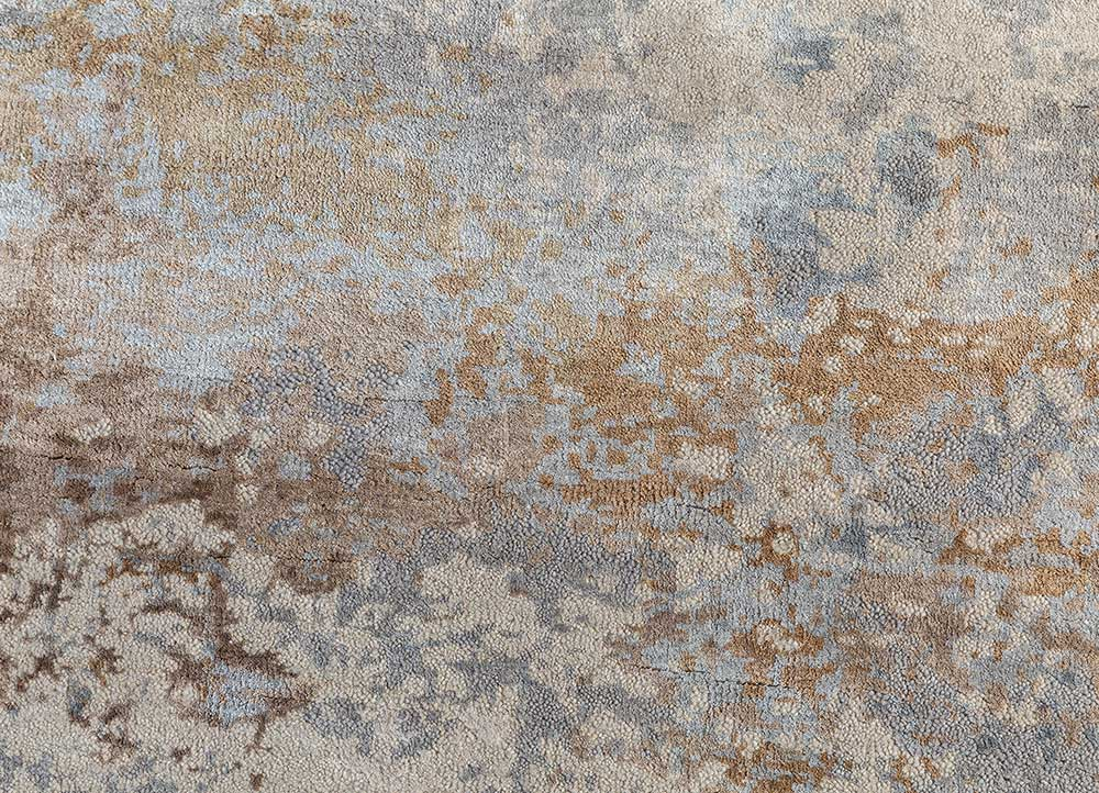 faulty blend by kavi ivory wool and bamboo silk hand knotted Rug - CloseUp