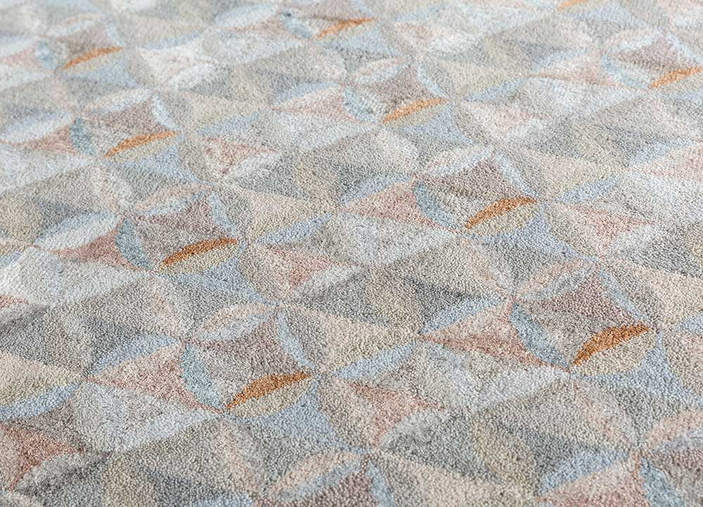 aakar by kavi ivory wool and bamboo silk hand knotted Rug - CloseUp