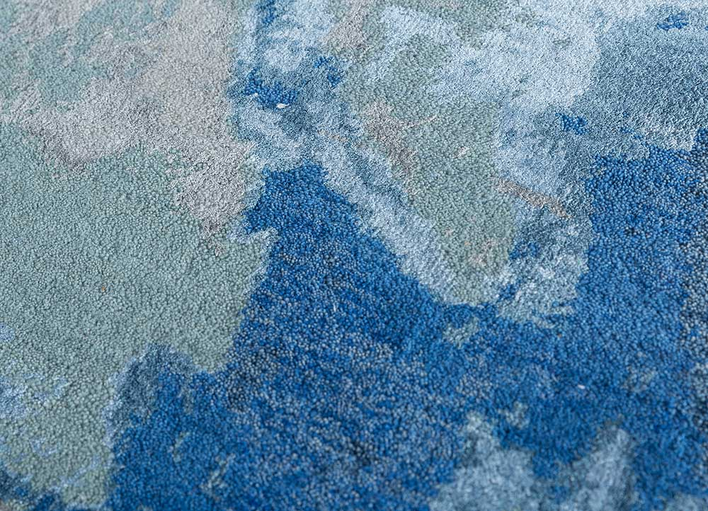kibrast blue wool and bamboo silk hand knotted Rug - CloseUp