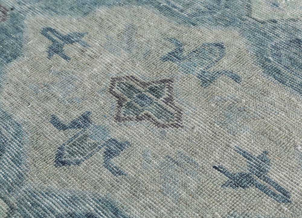 pansy blue wool hand knotted Rug - CloseUp
