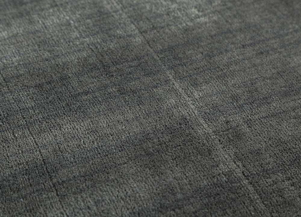 oxford grey and black wool and viscose hand loom Rug - CloseUp