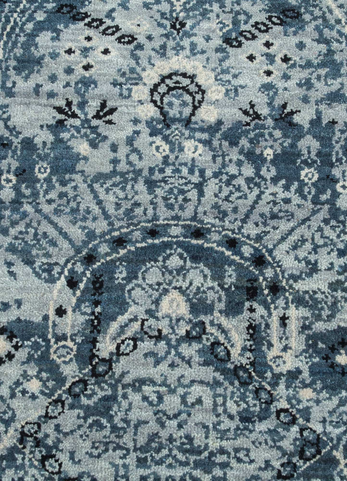 mezcla blue wool hand knotted Rug - CloseUp
