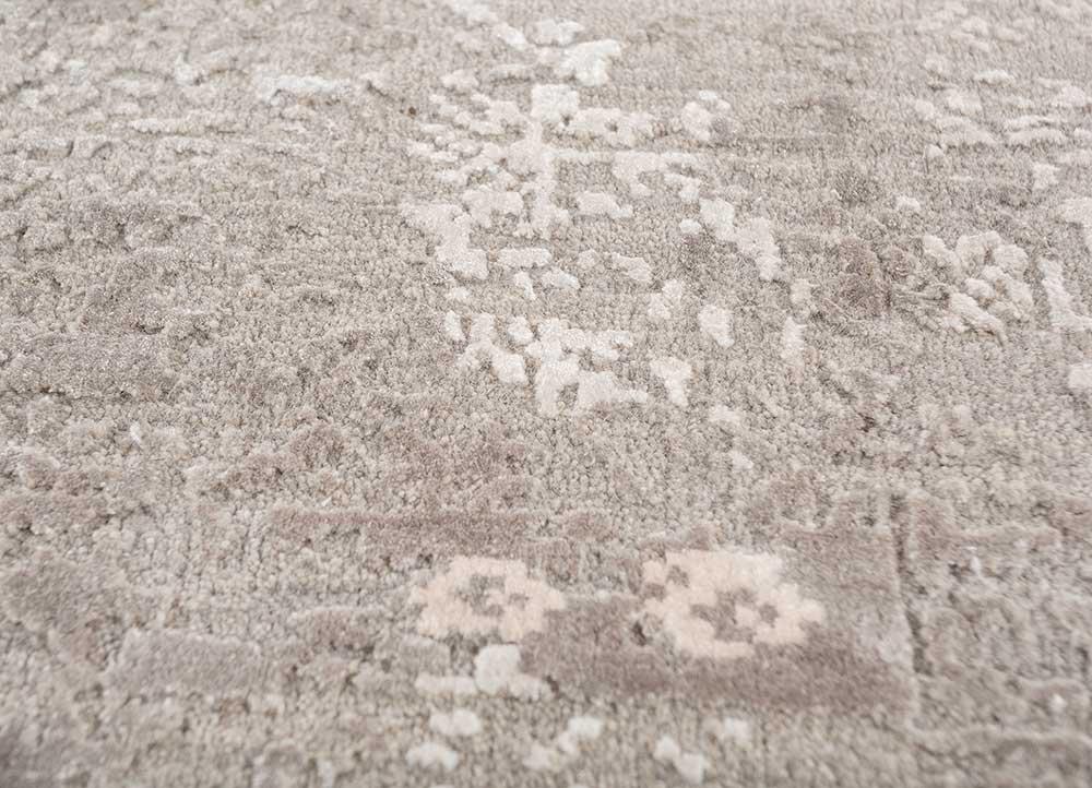 uvenuti grey and black wool and bamboo silk hand knotted Rug - CloseUp