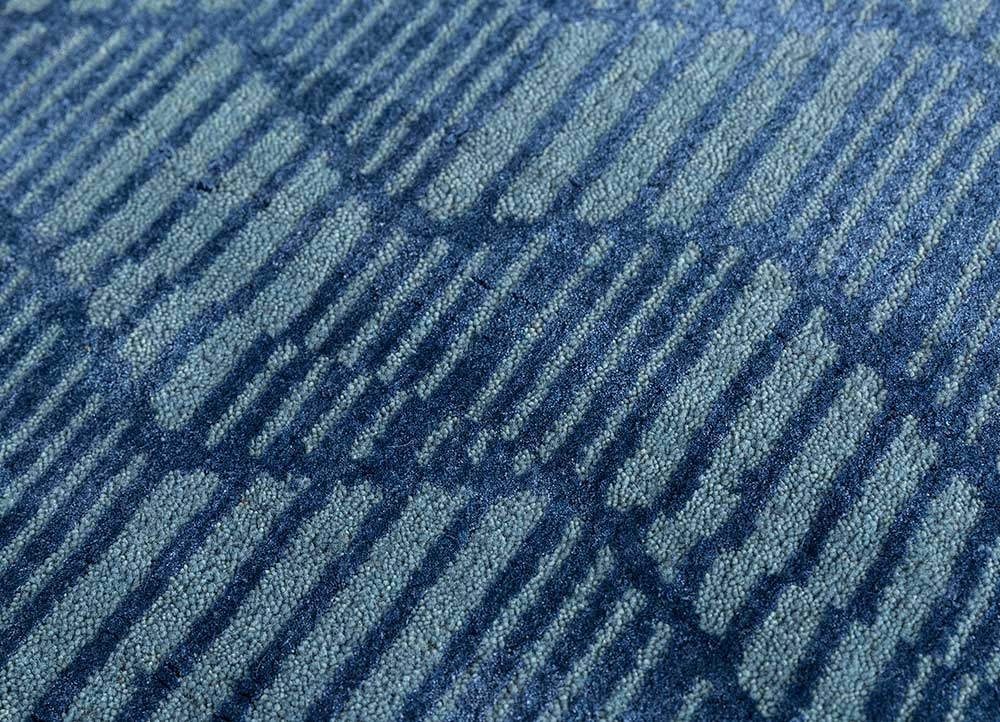geode blue wool and bamboo silk hand knotted Rug - CloseUp