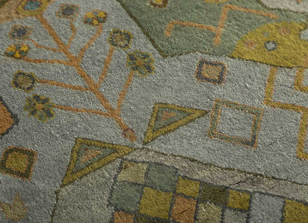 artisan originals grey and black silk hand knotted Rug - CloseUp