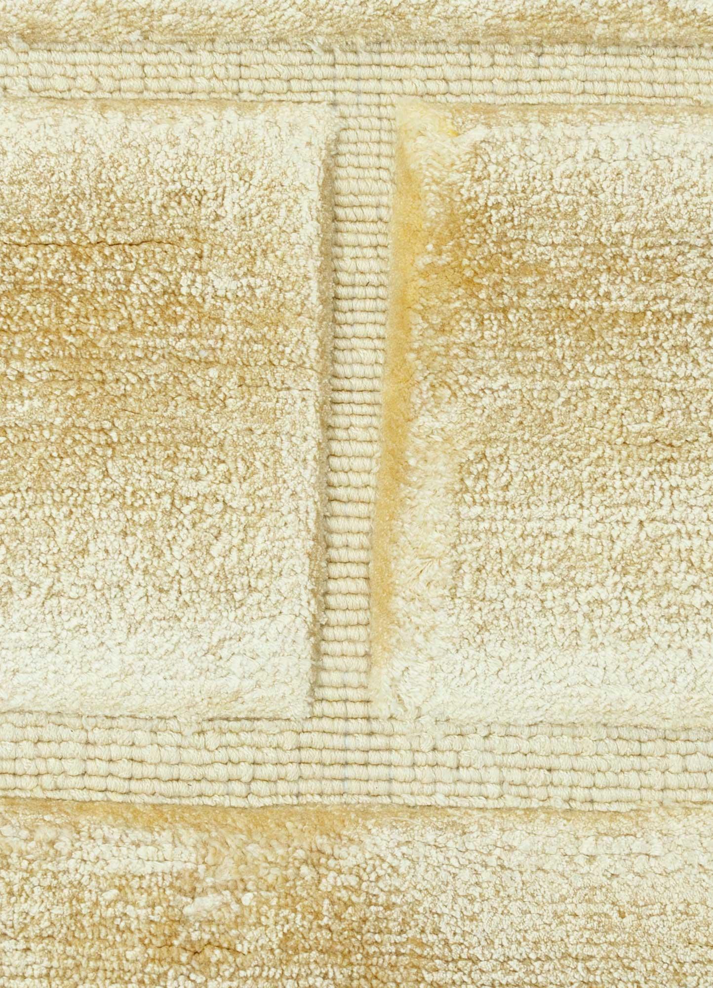 castle gold viscose hand loom Rug - CloseUp