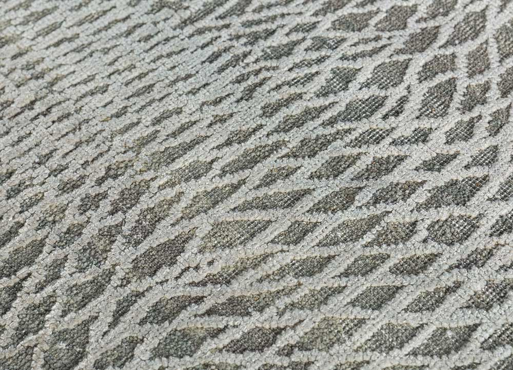 entropy blue wool and silk hand knotted Rug - CloseUp