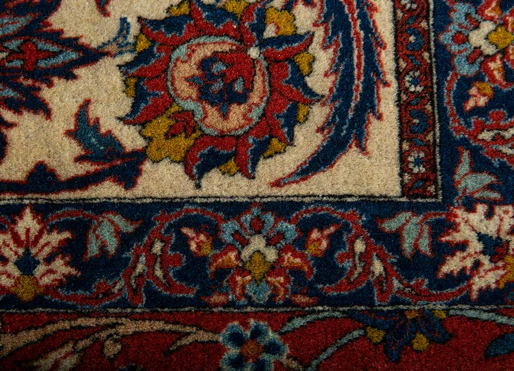 antique gold wool hand knotted Rug - CloseUp