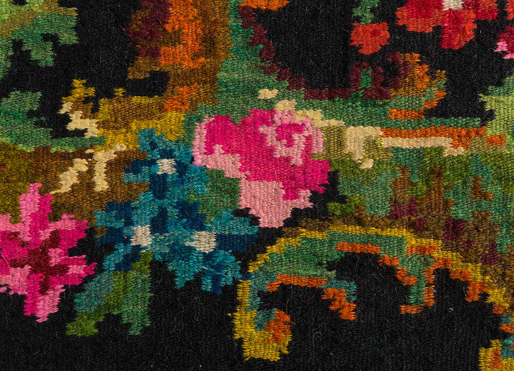 kilim grey and black wool hand knotted Rug - CloseUp