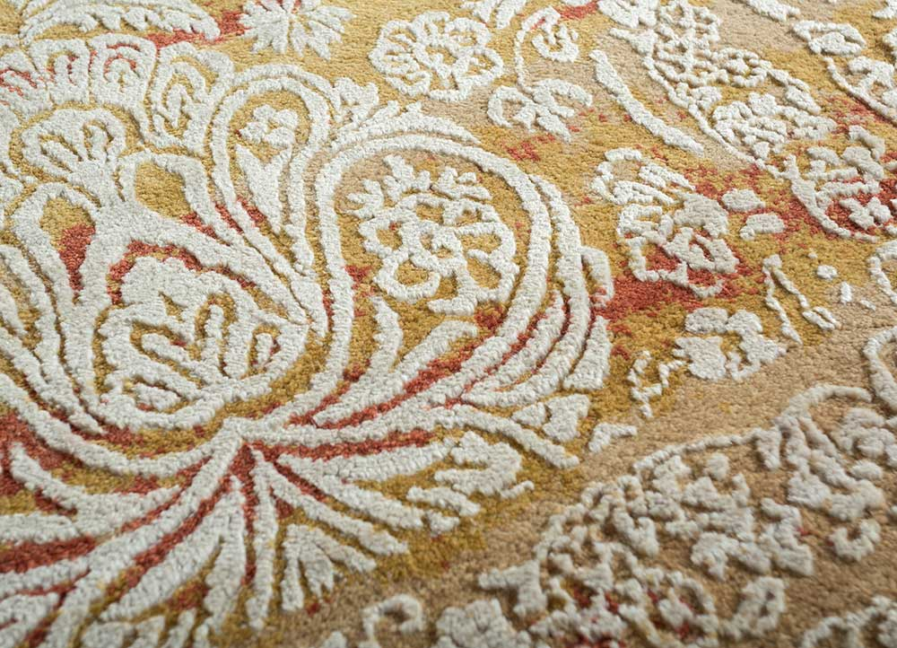 biscayne beige and brown wool and bamboo silk hand knotted Rug - CloseUp