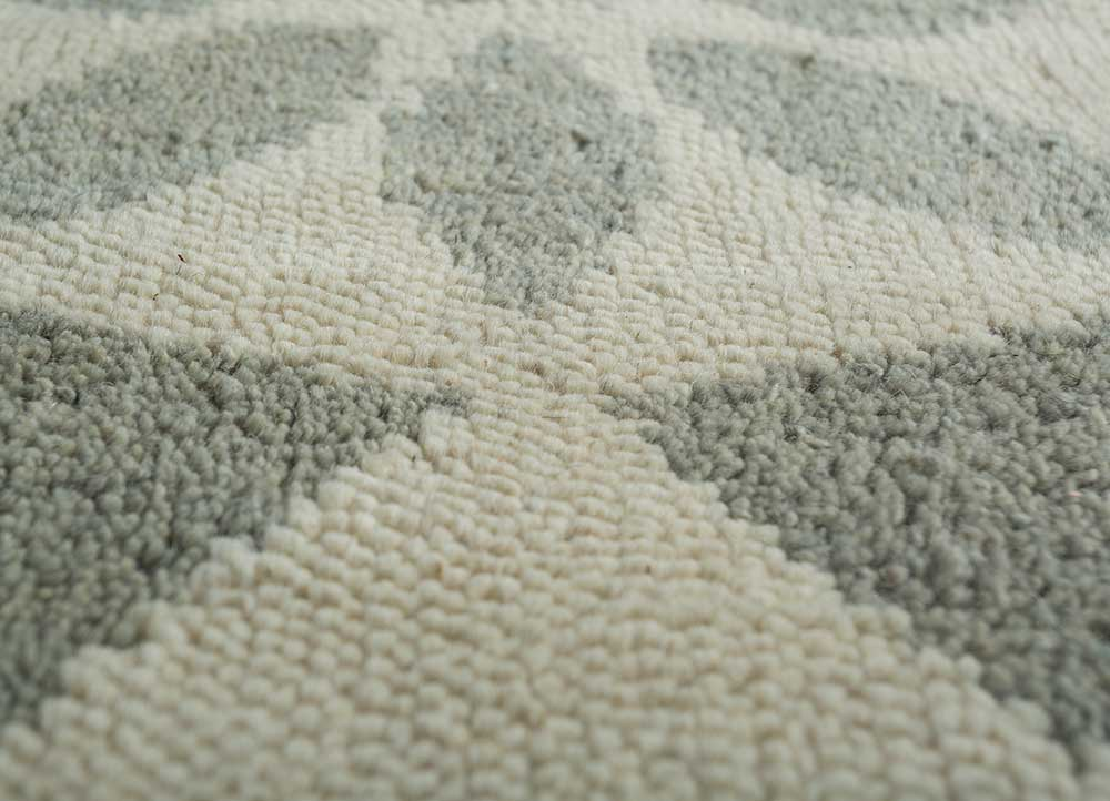 pansy ivory wool hand knotted Rug - CloseUp