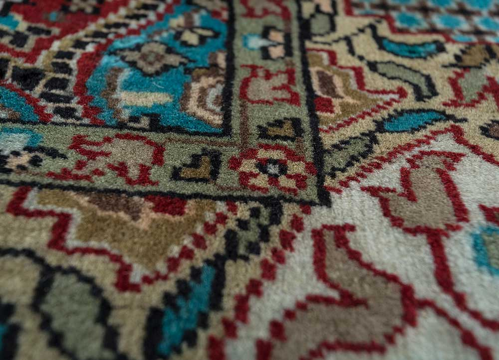 aurora red and orange wool hand knotted Rug - CloseUp