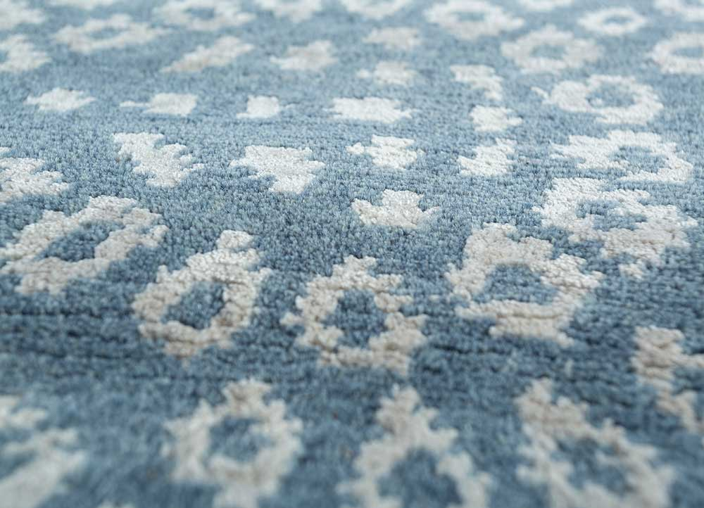 eden blue wool and viscose hand knotted Rug - CloseUp