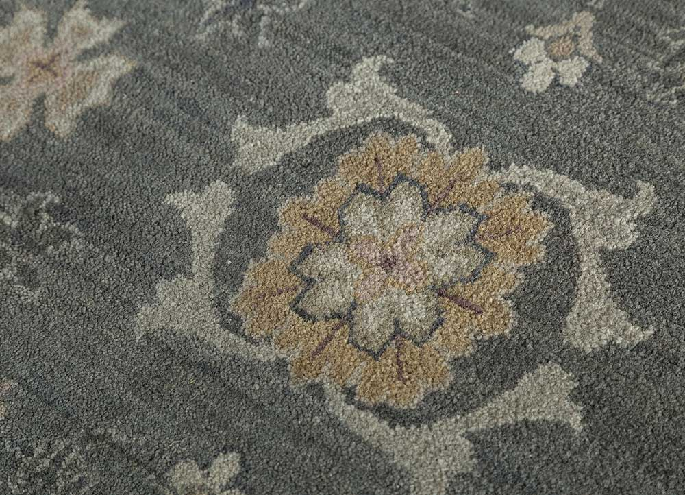 biscayne grey and black wool hand knotted Rug - CloseUp