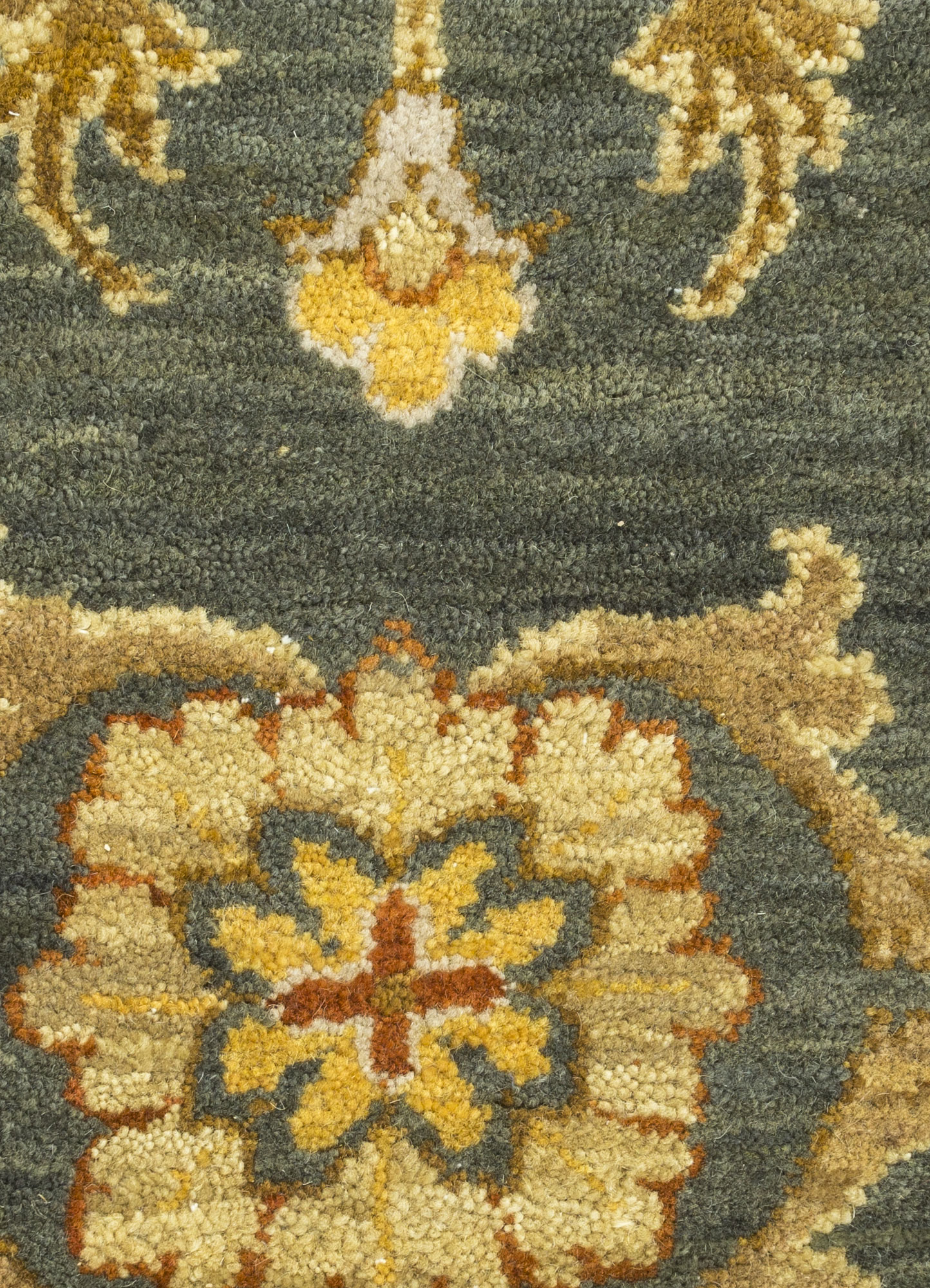 biscayne green wool hand knotted Rug - CloseUp