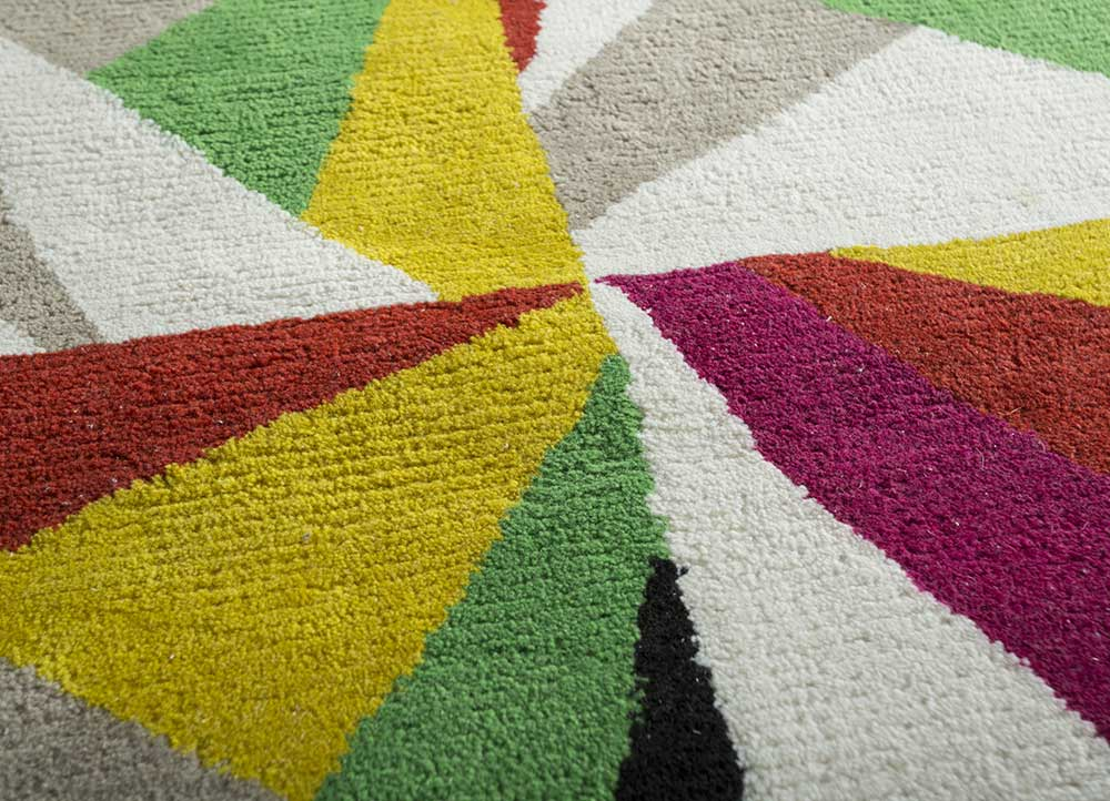 traverse ivory polyester hand tufted Rug - CloseUp