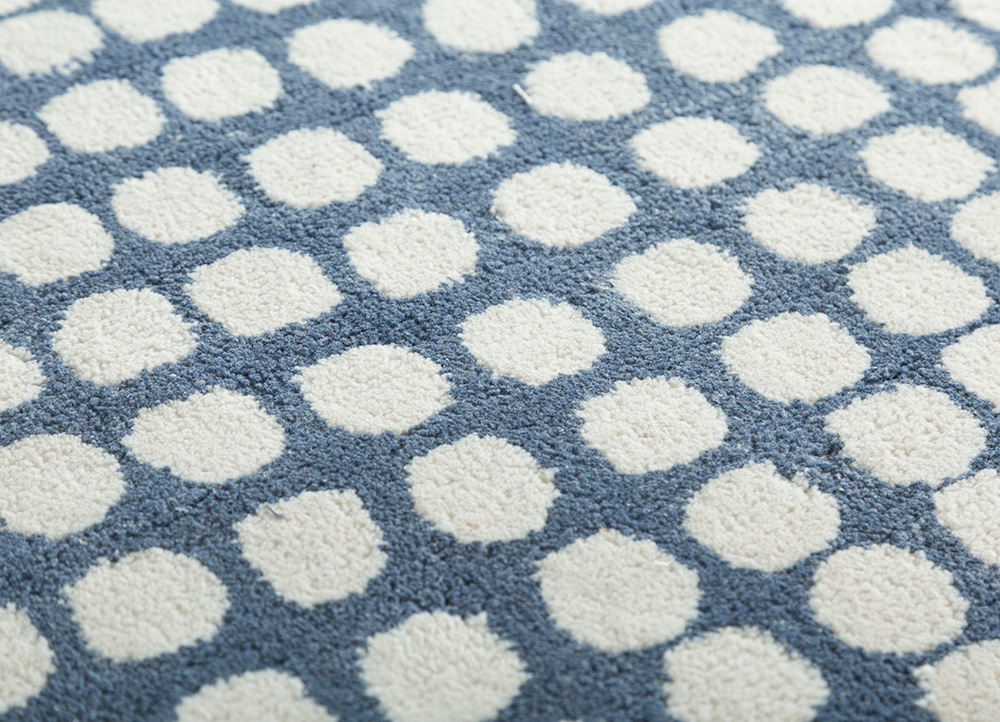 traverse blue polyester hand tufted Rug - CloseUp