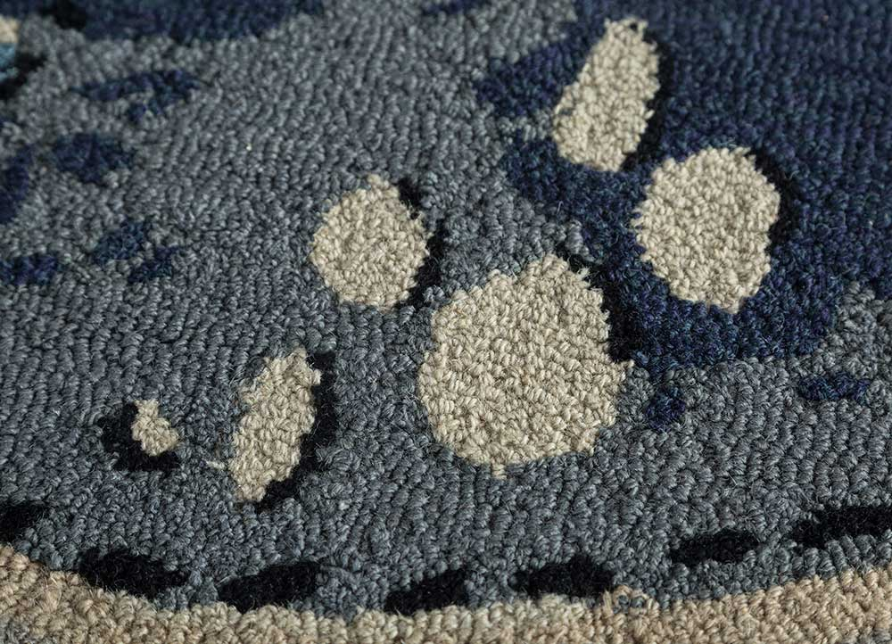 transcend grey and black wool and viscose hand tufted Rug - CloseUp