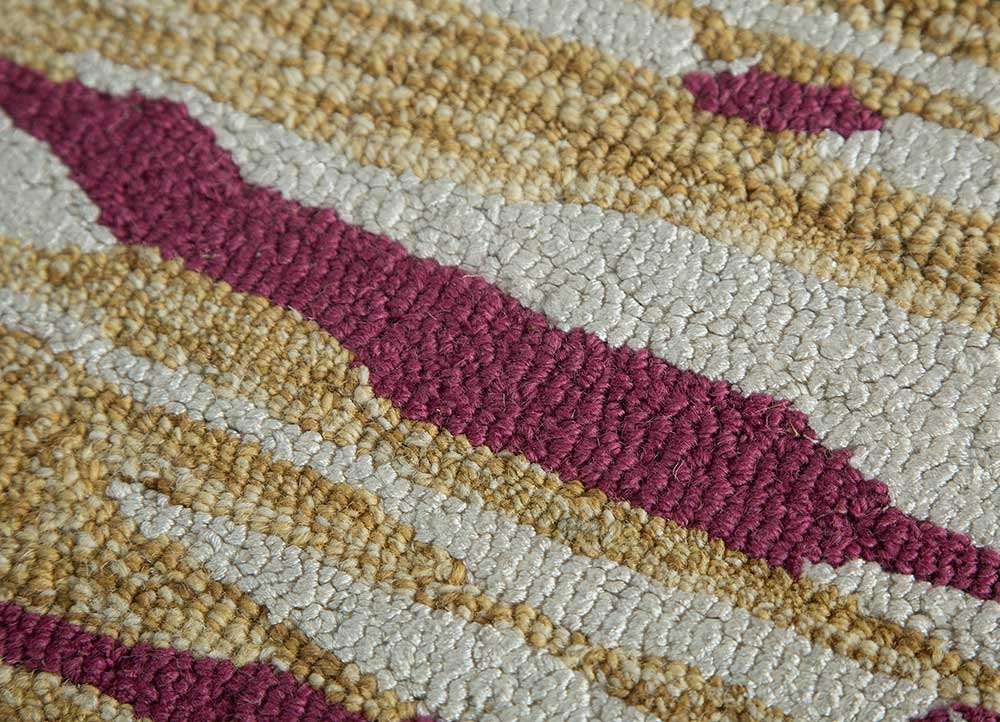 transcend gold wool and viscose hand tufted Rug - CloseUp