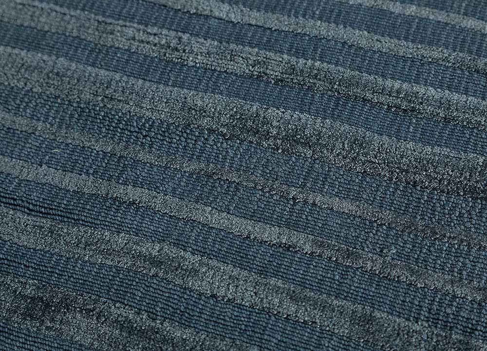 konstrukt blue bamboo silk hand loom Rug - CloseUp