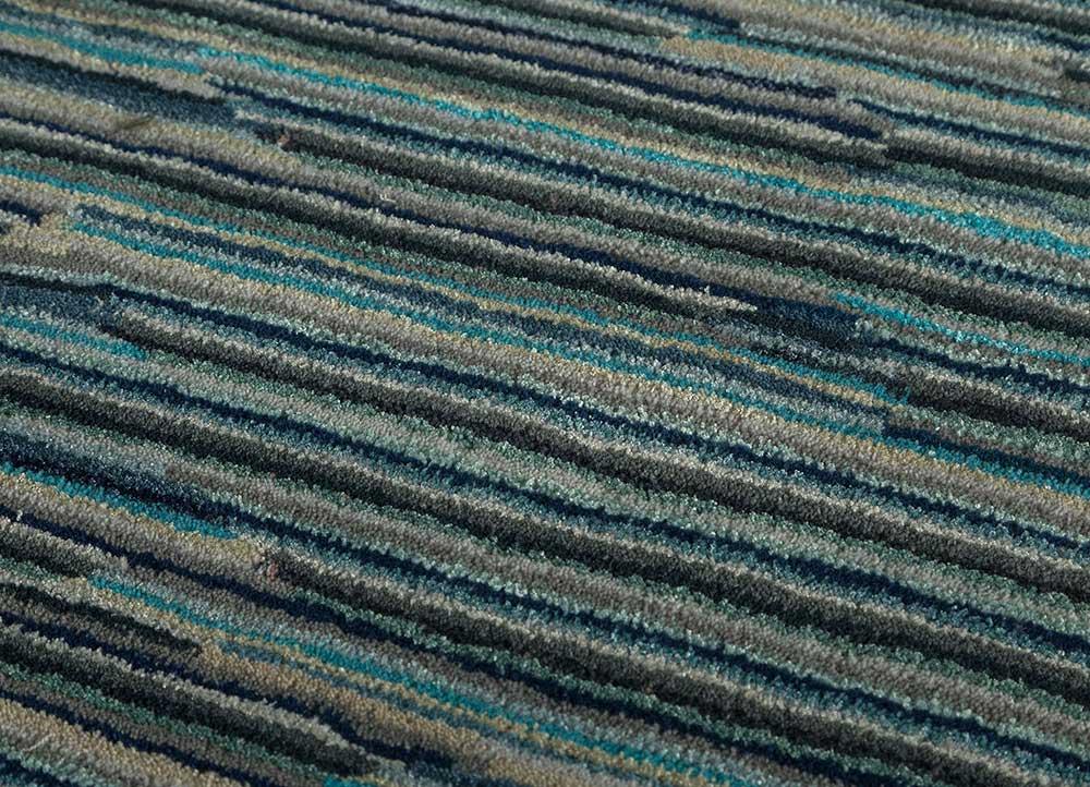 shudd blue wool and viscose hand tufted Rug - CloseUp