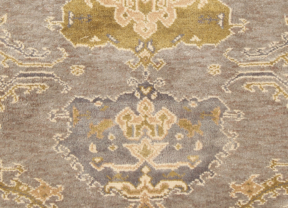 blithe grey and black silk hand knotted Rug - CloseUp
