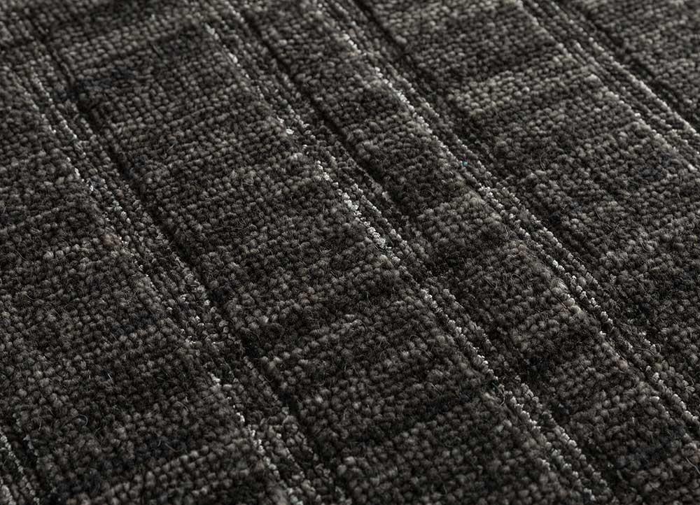 graze grey and black wool and viscose hand loom Rug - CloseUp