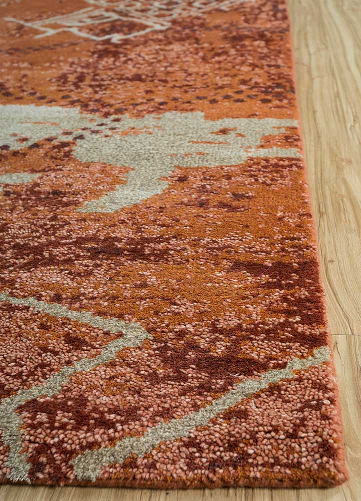 esme gold wool and bamboo silk hand knotted Rug - Corner
