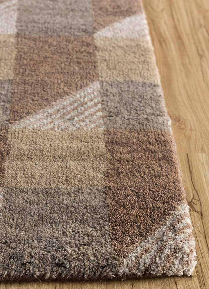 geode beige and brown wool and bamboo silk hand knotted Rug - Corner