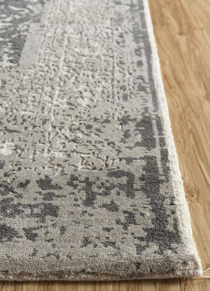 far east ivory wool hand knotted Rug - Corner