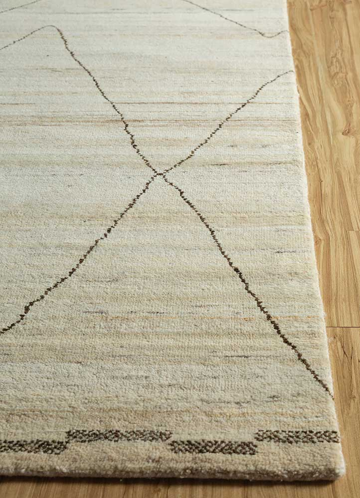 manifest ivory wool hand knotted Rug - Corner