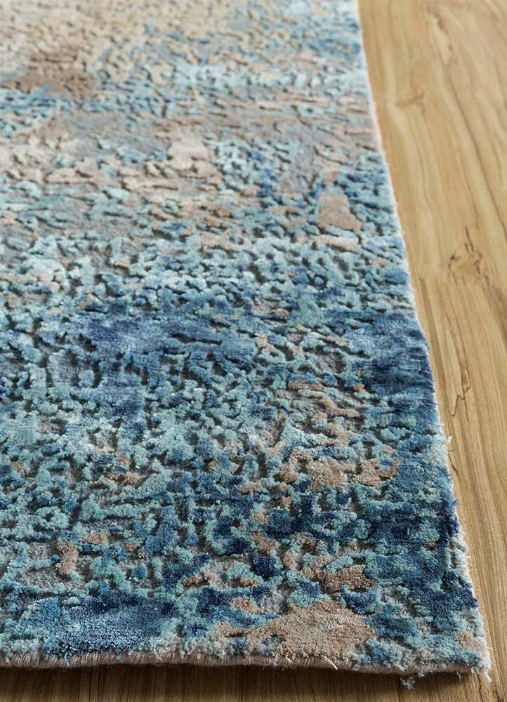 faulty blend by kavi ivory wool and viscose hand knotted Rug - Corner