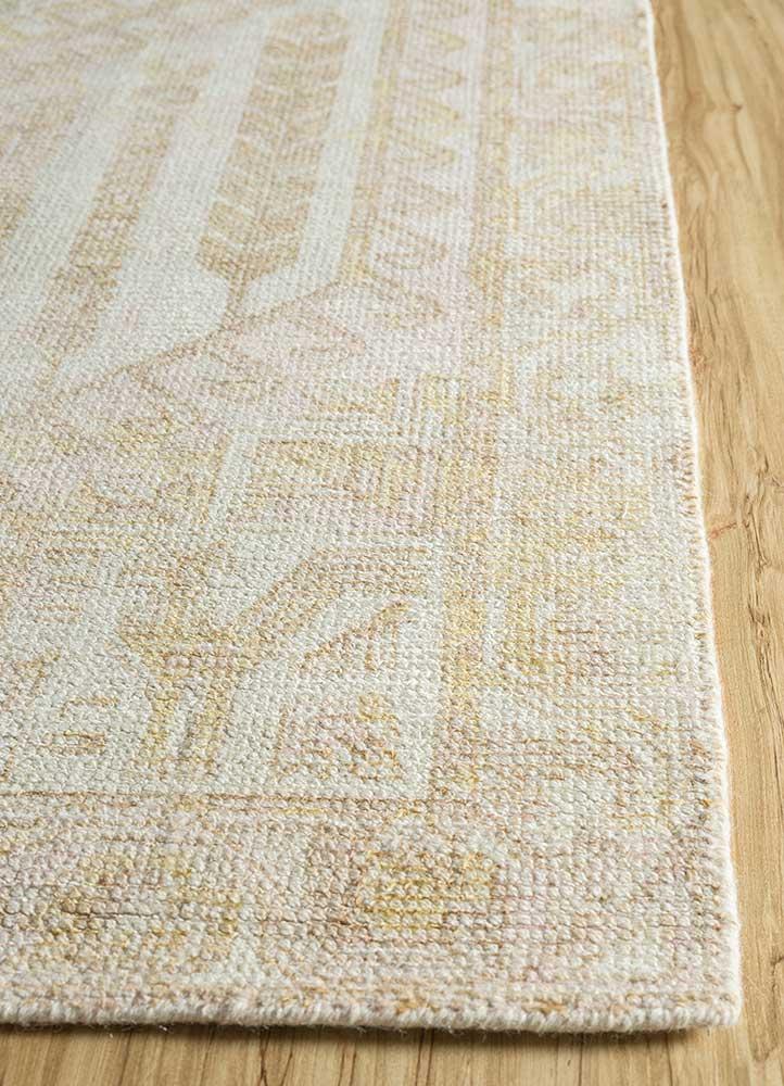 oxford ivory wool and bamboo silk hand loom Rug - Corner