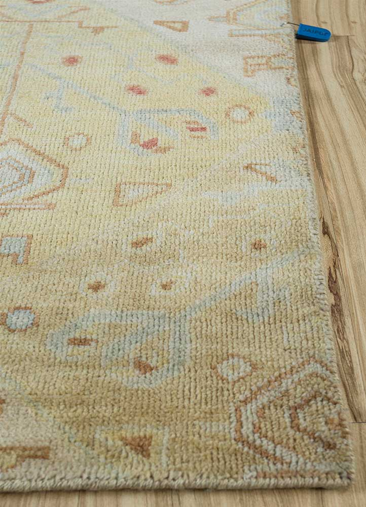 erbe gold wool hand knotted Rug - Corner