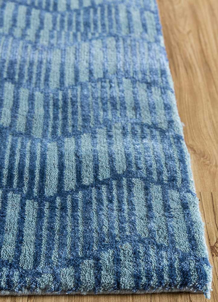geode blue wool and bamboo silk hand knotted Rug - Corner