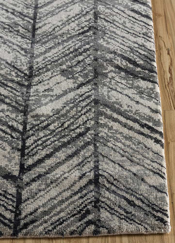 geode ivory wool and bamboo silk hand knotted Rug - Corner