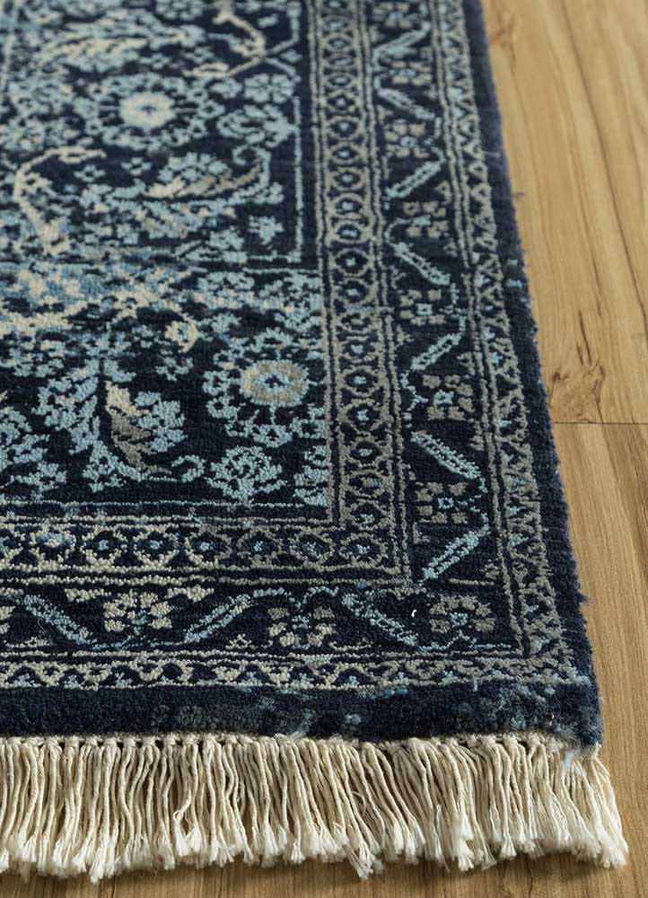far east blue wool and silk hand knotted Rug - Corner