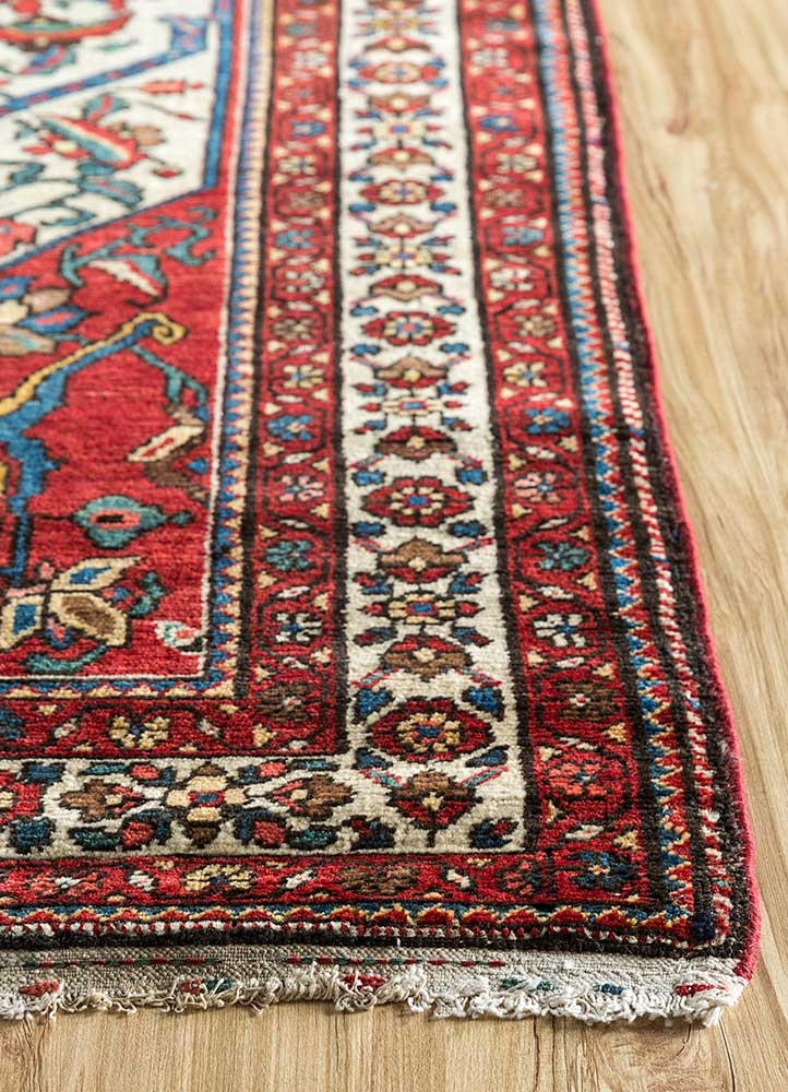 antique ivory wool hand knotted Rug - Corner