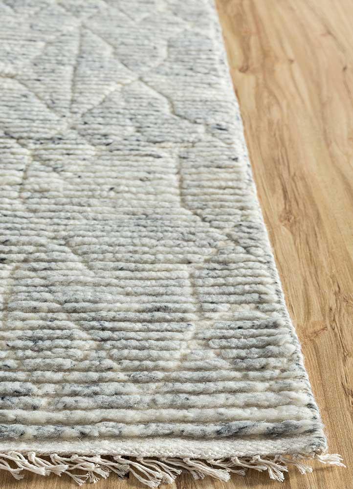 zuri blue wool hand knotted Rug - Corner