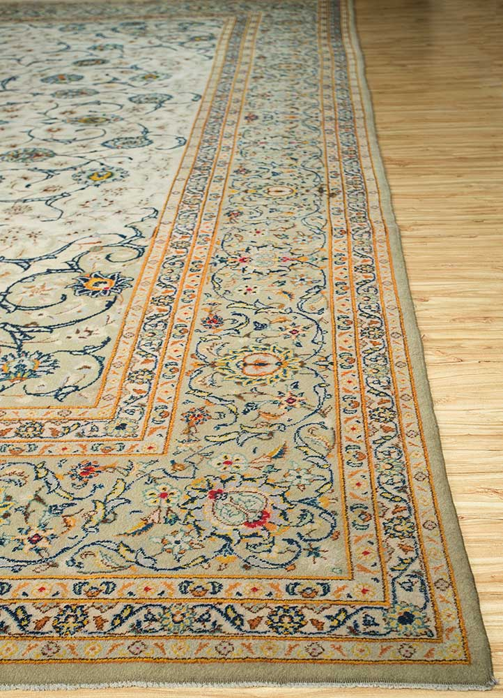 antique green wool hand knotted Rug - Corner