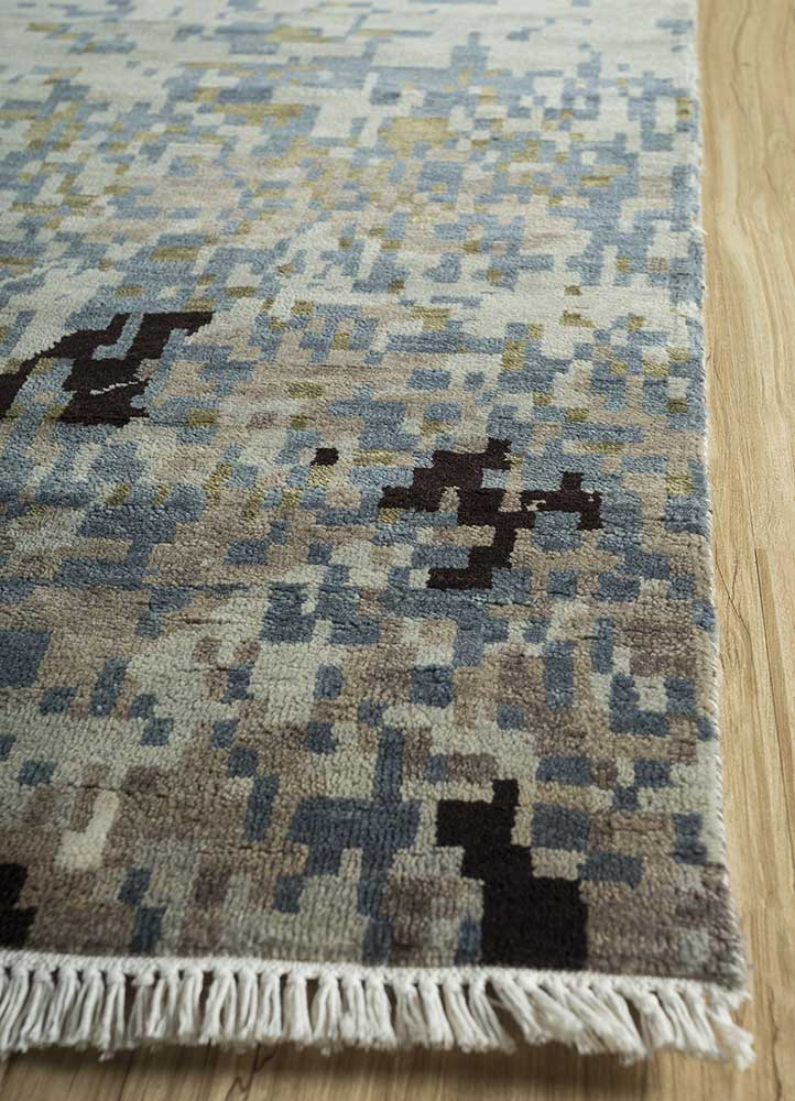 memoir blue wool and bamboo silk hand knotted Rug - Corner